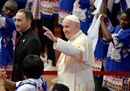 Pope Francis waves19.jpg