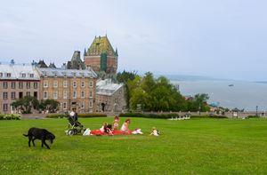Quebec City, la città canadese situata sulle rive del fiume San Lorenzo (516 000 abitanti), si è piazzata al secono posto tra le città più adatte alle famiglie.