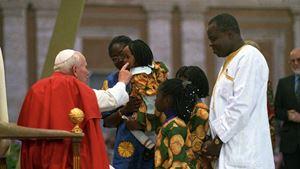 Roma, 9 ottobre 1994, primo incontro mondiale delle famiglie con papa Giovanni Paolo II. Foto: Osservatore Romano/Vatican media