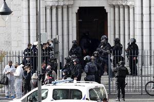 La Basilica di Notre-Dame a Nizza dopo l'attentato (Ansa)