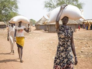 Un progetto agricolo di Caritas in Sud Sudan, che impiega principalmente donne.