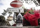 Lacrime, fiori e messaggi sui social, l'Italia piange Gigi Proietti