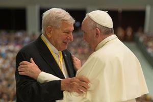 ll 18 novembre 2019, il Papa aveva incontrato don Pigi in aula Paolo VI, per il trentesimo anniversario dell'istituzione delle Cellule parrocchiali di evangelizzazione, oltreché per i suoi 65 anni di sacerdozio e per il compimento dei suoi 90 anni - Ansa