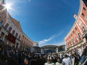 Un'immagine di Bari durante la visita di papa Francesco domenica 23 maggio 2020 (foto Ansa)