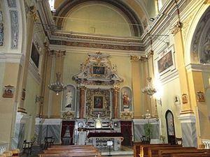 L'interno seicentesco della parrocchia di San Barnaba - Visitazione di Maria Vergine, a Mirafiori Sud, Torino. Oggi, Mercoledì delle Ceneri, rimane vuota come molte altre chiese del Nord Italia.