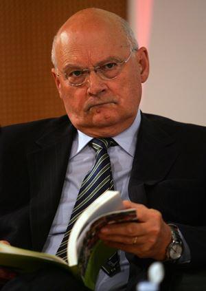 Il professore Stefano Zamagni, 77 anni (Ansa)