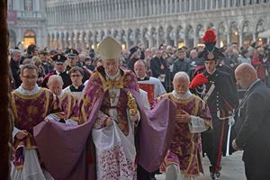 Il Patriarca di Venezia Francesco Moraglia, 66 anni (Ansa)