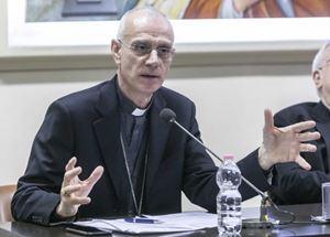 Monsignor Antonino Raspanti, 60 anni, vescovo di Acireale e vicepresidente della Cei. Tutte le foto di questo servizio sono di Cristian Gennari/Romno Siciliani.