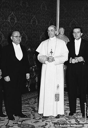 Andreotti nel 1950 con Pio XII