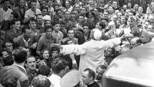 Eugenio Pacelli (1876-1958) venne eletto Papa con il nome di Pio XII il 2 marzo 1939 (Ansa)