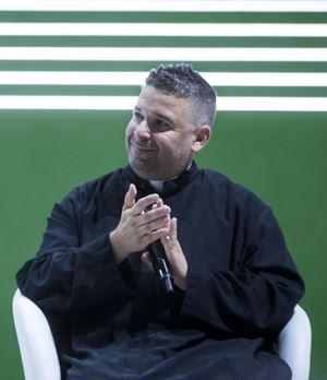 Don Aldo Buonaiuto, 49 anni.