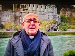 Padre Nicola Ventriglia appartiene alla Congregazione degli Oblati di Maria Immacolata (OMI) e dal 2012 è il cappellano dei pellegrini italiani nel Santuario di Lourdes