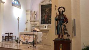La statua di San Rosso esposta a Torrepaduli (foto tratta dal sito PiazzaSalento.it)
