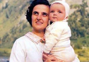 Santa Gianna Beretta Molla (1922-62) con la figlia Laura.