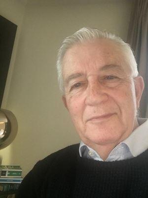L'avvocato Franz Sarno durante la quarantena, iniziata il 17 aprile scorso, all'Hotel Cavalieri di Milano