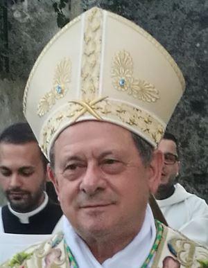 Il vescovo di Locri-Gerace, mons. Francesco Oliva, 69 anni