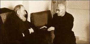 Il colloquio tra san Pio (1887-1968) e il beato Giacomo Alberione (1884-1971) a San Giovanni Rotondo il 3 maggio 1965.