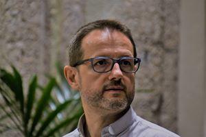 Il parroco don Enrico Parazzoli, 53 anni