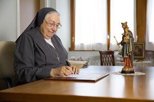Madre M. Yvonne Reungoat, presidente USMI