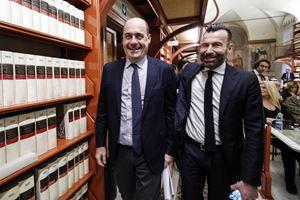Il segretario del Pd, Nicola Zingaretti, con il deputato Alessandro Zan (Ansa)