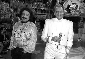 Nino Frassica (a sinistra) insieme a Renzo Arbore nel 1988