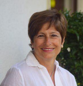 Annalisa Pomilio, giornalista, redattrice per varie case editrici, autrice di libri per bambini. La foto è tratta dal sito www.noinonni.it che lei cura.