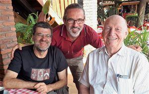 Pierantonio Costa con il nostro giornalista Luciano Scalettari, autore de La lista del Console, e con Alessandro Rocca, regista dell'omonimo film documentario.