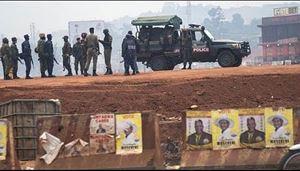 Il giorno del voto, a Kampala.