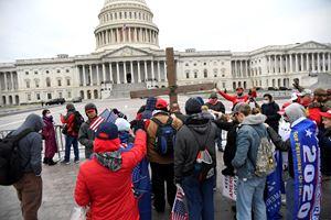 Manifestanti davanti al Capitol il 6 gennaio 2020. Tutte le foto di questo servizio sono dell'agenzia di stampa Reuters.