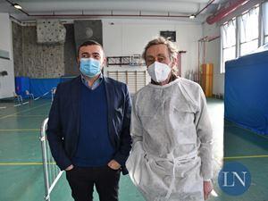 Andrea Vitali con il sindaco di Bellano Antonio Rusconi in una foto di Lecco notizie