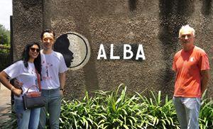 L'Ambasciatore Luca Attanasio e la moglie, Zakia Seddiki, in visita alla sede della onlus ALBA, guidata da Gabriele Salmi.