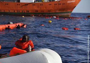 Le foto di questo servizio sono di Sos Mediterranee - Flavio Gasperini, tratte dal sito dell'agenzia Ansa.