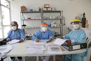 Il team di Medici senza frontiere a Huacho, nel nord del Perù (foto di Jean-Baptiste Marion/Msf).