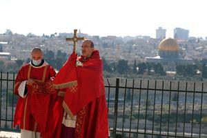 Monsignor Pierbattista Pizzaballa, Patriarca di Gerusalemme dei Latini, 56 anni. Foto Reuters.