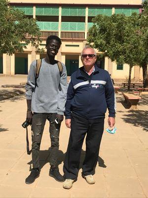Padre Norberto Stonfer con un ex-studente del Comboni College a Khartoum