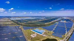 Impianti eolici e fotovoltaici. Foto Ansa.