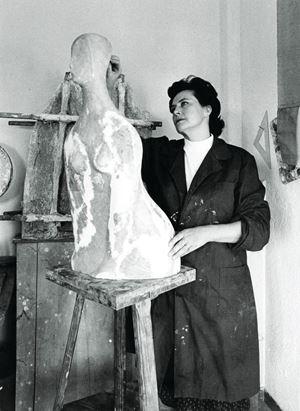 Roberta Meldini nel suo studio nel 1976